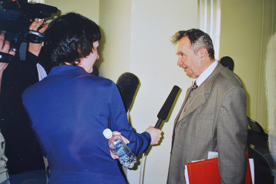 А.С. Панарин после награждения его премией А.И. Солженицына
