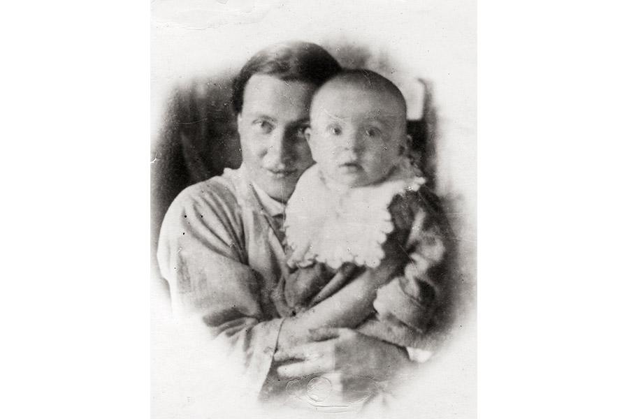 Н.Д. Шаховская-Шик с сыном Сережей