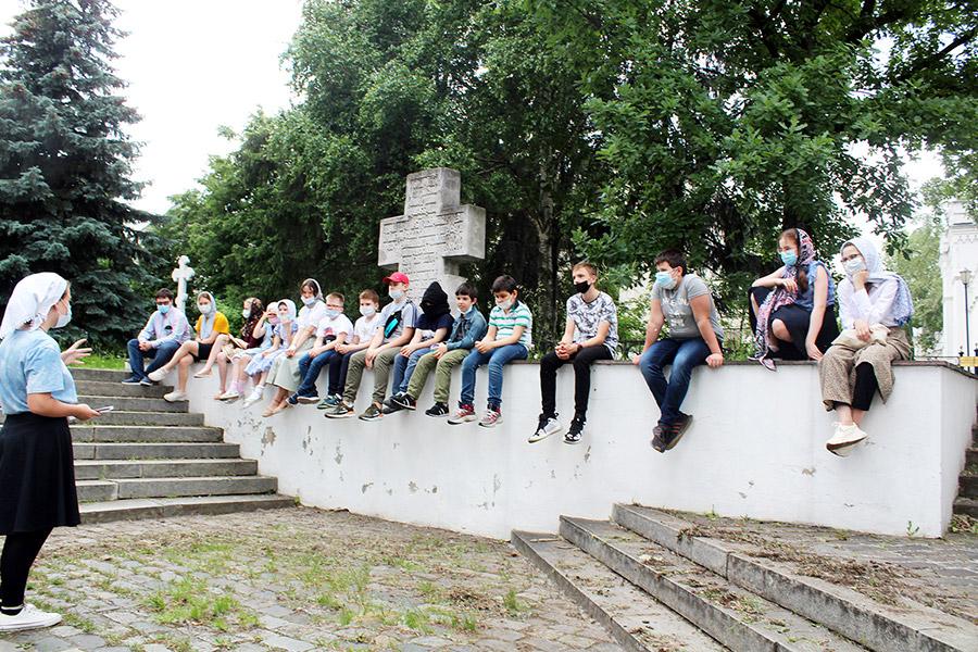 Дети и подростки участвовали в творческих проектах, горячих дискуссиях на свежем воздухе