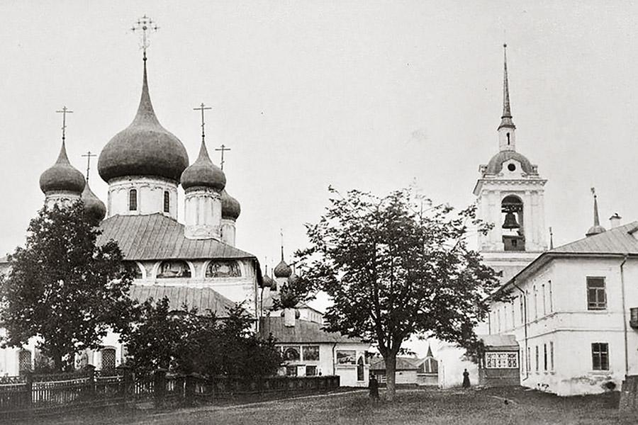 Паисиев Петровский монастырь в Угличе
