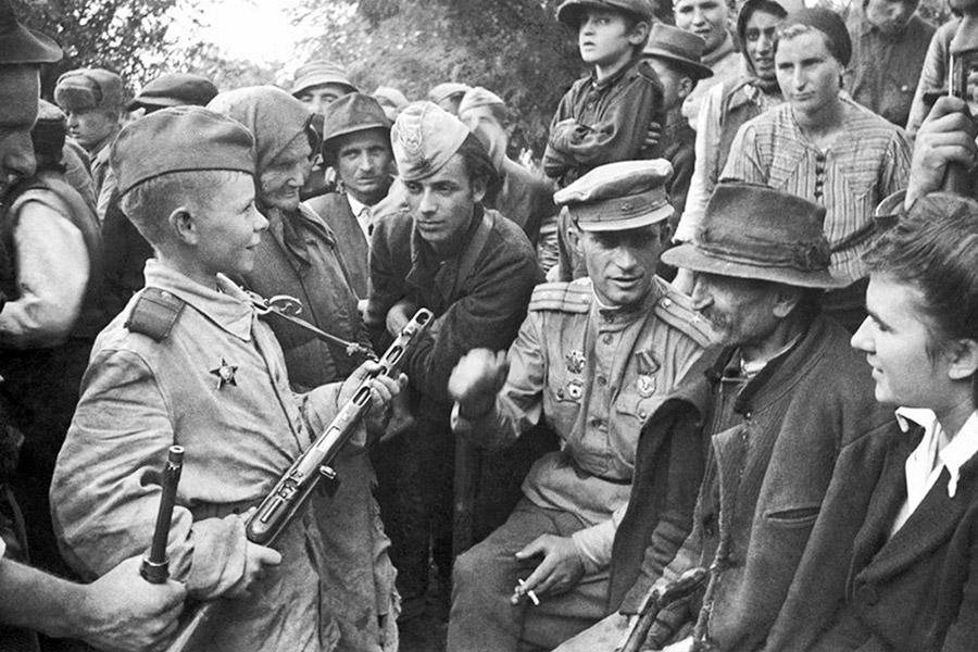 Юный разведчик Витя Жайворонок. Белград, 1944 г.