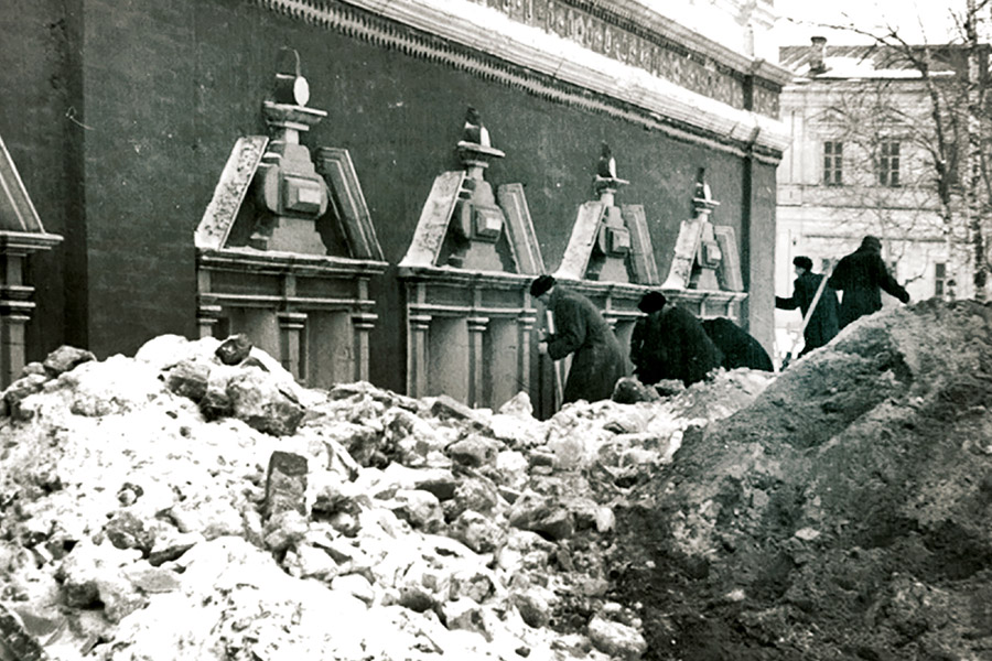 Восстановление Троице-Сергиевой Лавры после войны